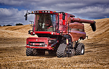 Case IH Axial-Flow 9230 Combine On Tracks